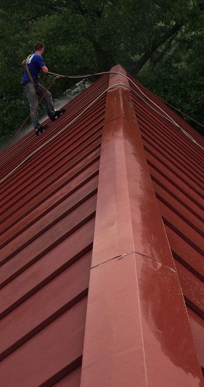 metal-roof-cleaning-ambassador-charleston-sc