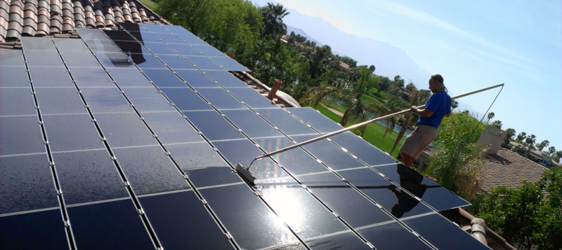 solar-panel-cleaning-with-pole